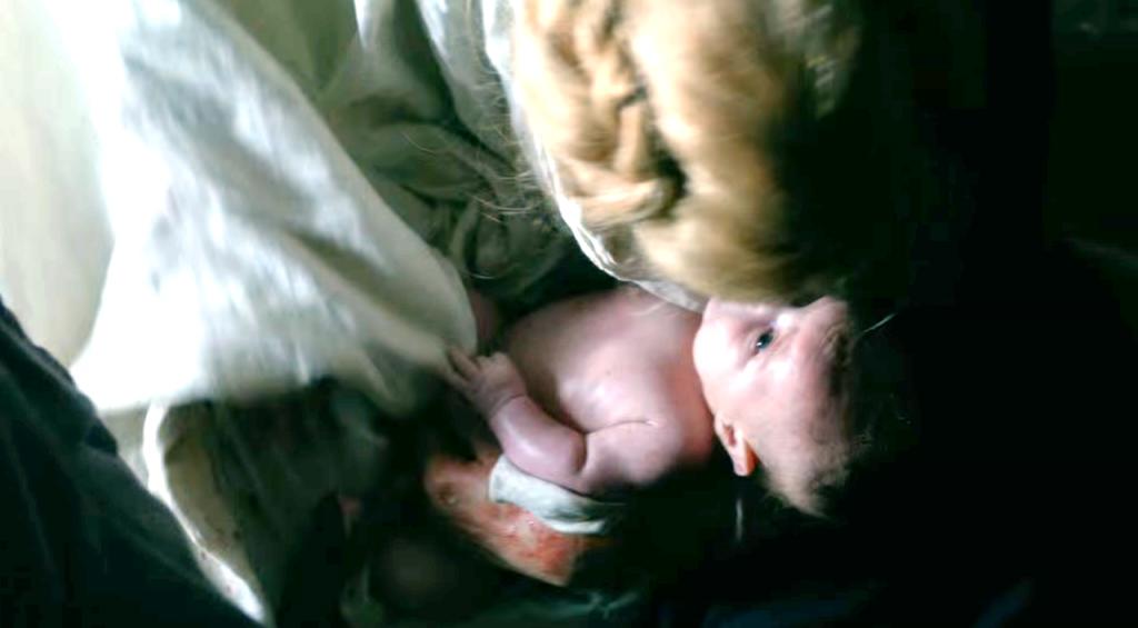 Foto da cena do nascimento do Príncipe Edward no quarto  episódio de The White Queen (BBC One/Starz).