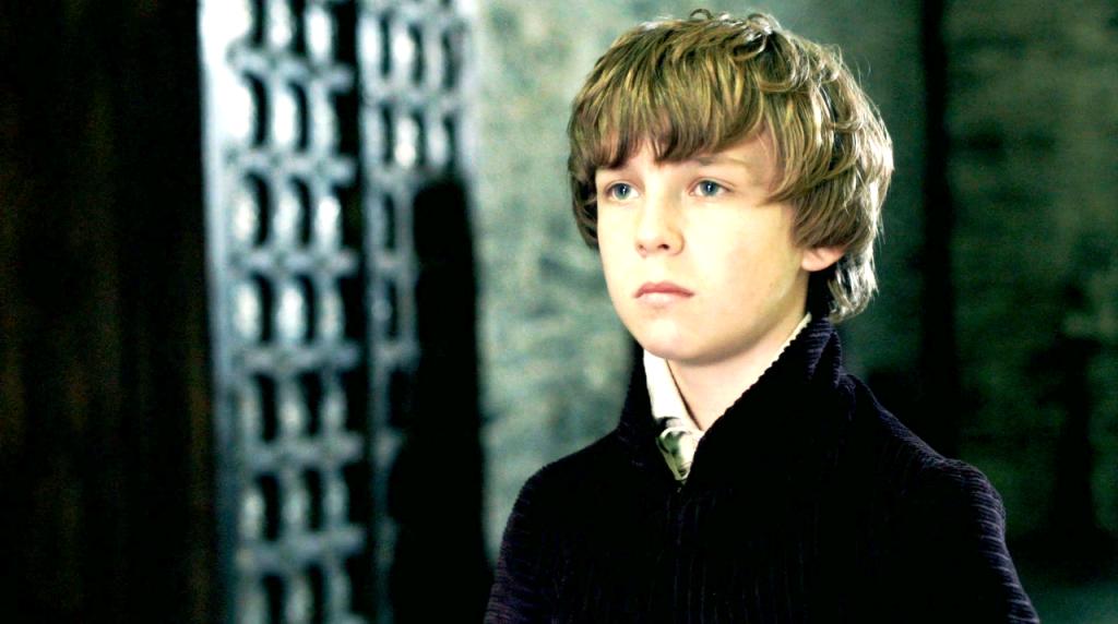 O pequeno Henry Tudor (Oscar Kennedy) no terceiro episódio de  The White Queen (BBC One/Starz).