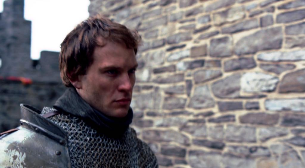 Anthony Woddville (Ben Lamb) na Torre de Londres em uma imagem do  do quinto episódio de The White Queen (BBC One/Starz).